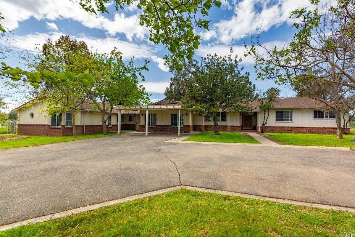 $980,000 - 5Br/4Ba -  for Sale in Vacaville