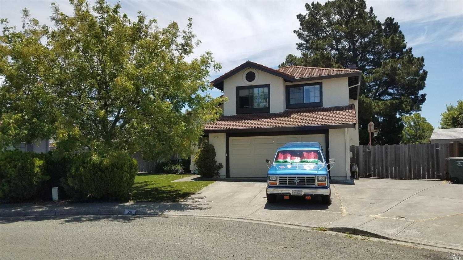 $615,000 - 4Br/3Ba -  for Sale in Napa Meadows, American Canyon