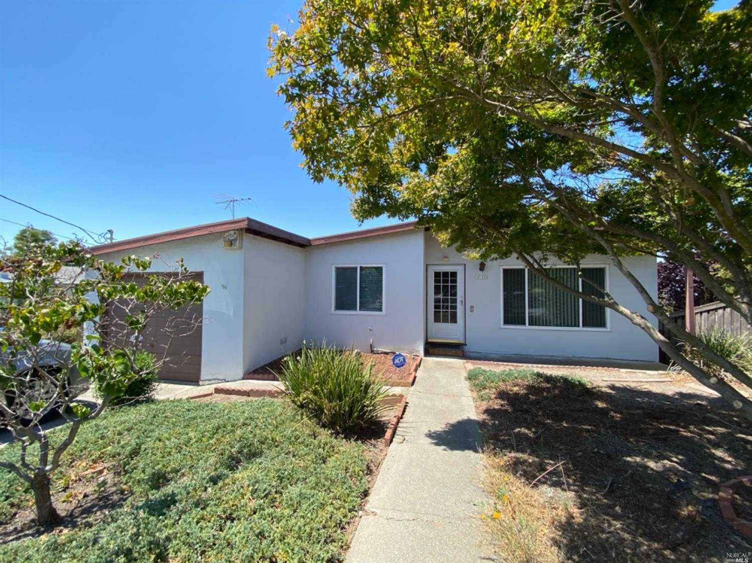 $499,000 - 4Br/1Ba -  for Sale in Rodeo