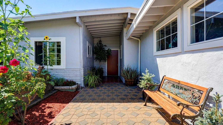 $899,000 - 3Br/2Ba -  for Sale in San Rafael