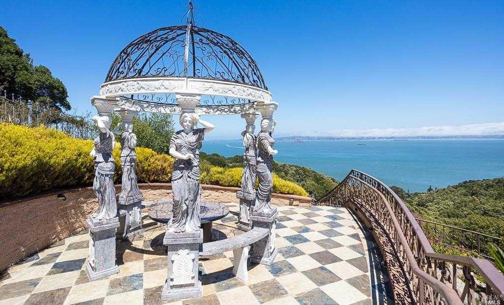 $9,750,000 - 5Br/7Ba -  for Sale in Tiburon