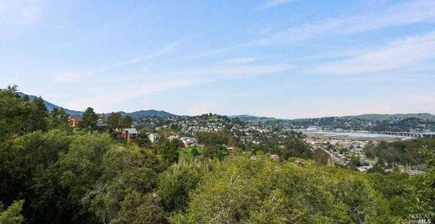 $1,575,000 - 4Br/3Ba -  for Sale in Mill Valley