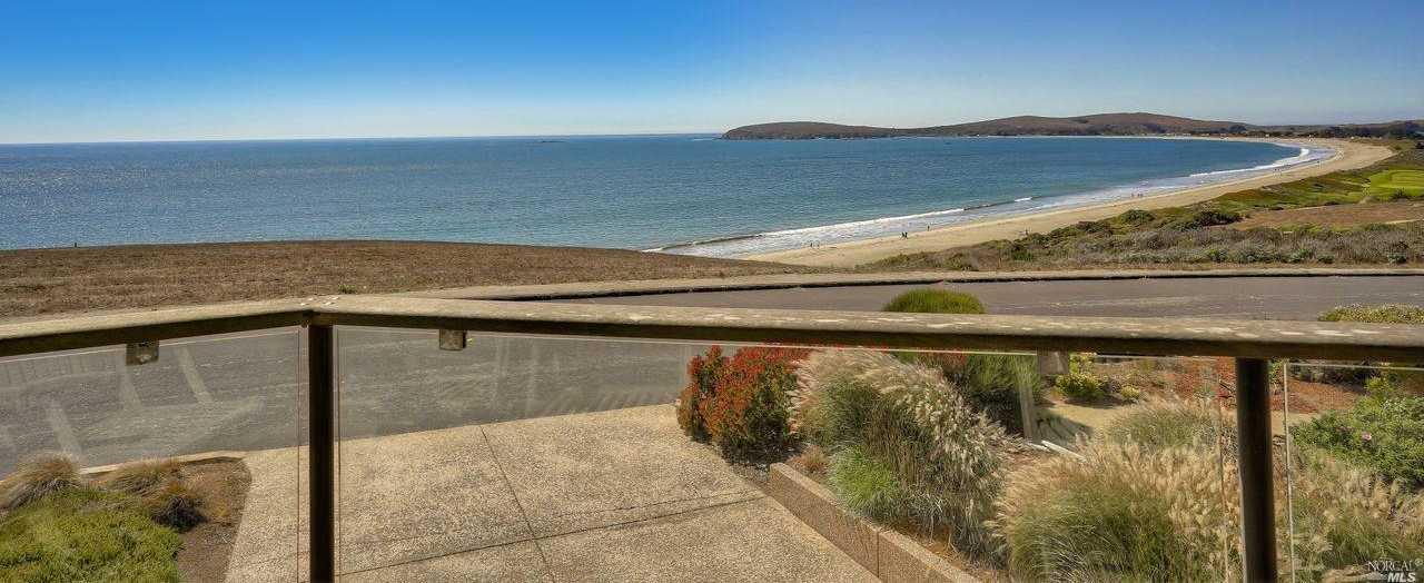 $2,100,000 - 3Br/3Ba -  for Sale in Bodega Harbour, Bodega Bay