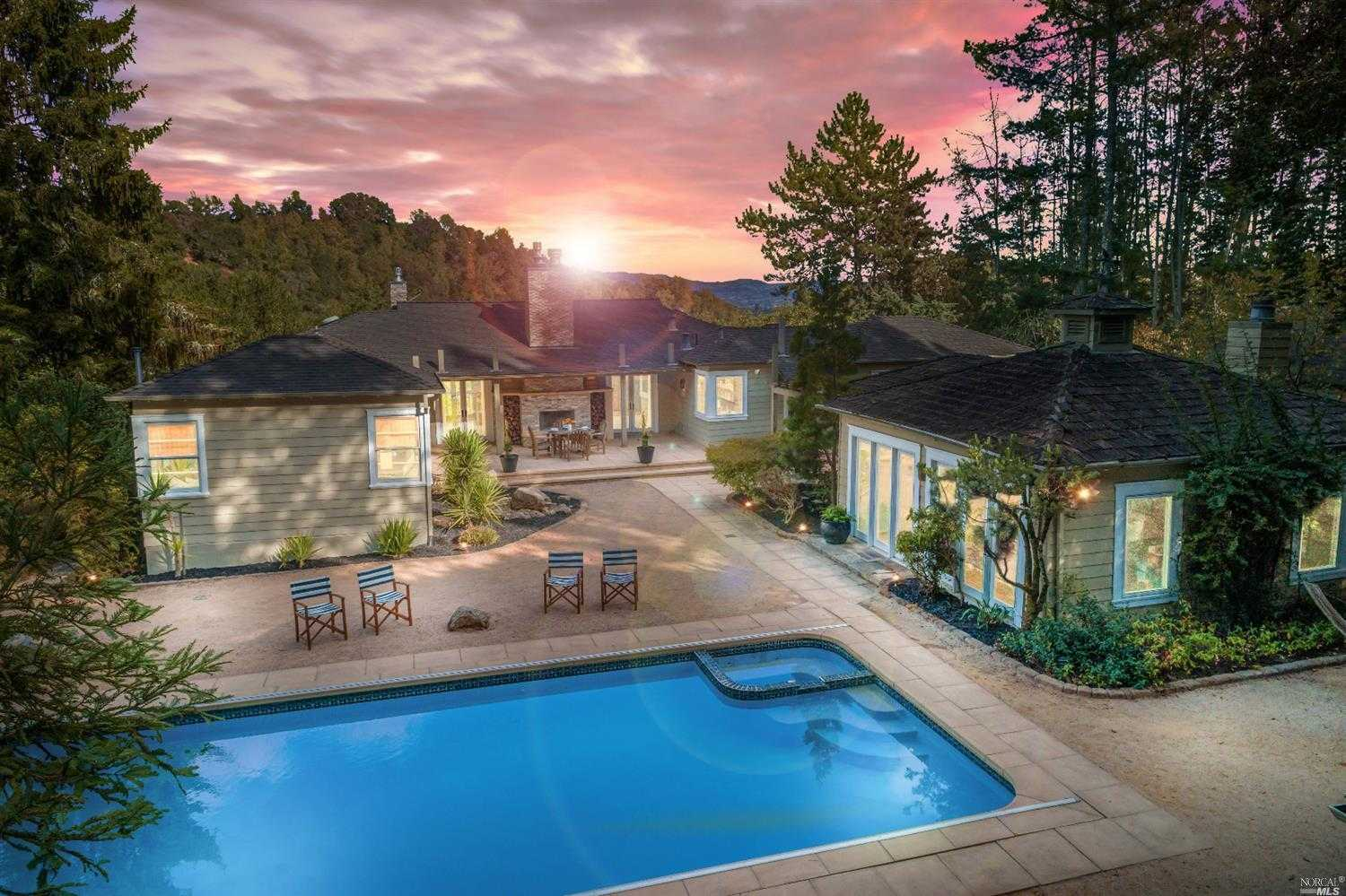 $2,850,000 - 2Br/3Ba -  for Sale in Napa