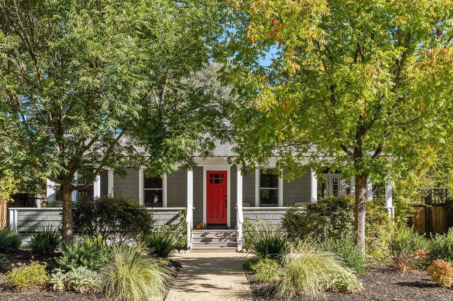 $1,575,000 - 2Br/2Ba -  for Sale in Calistoga