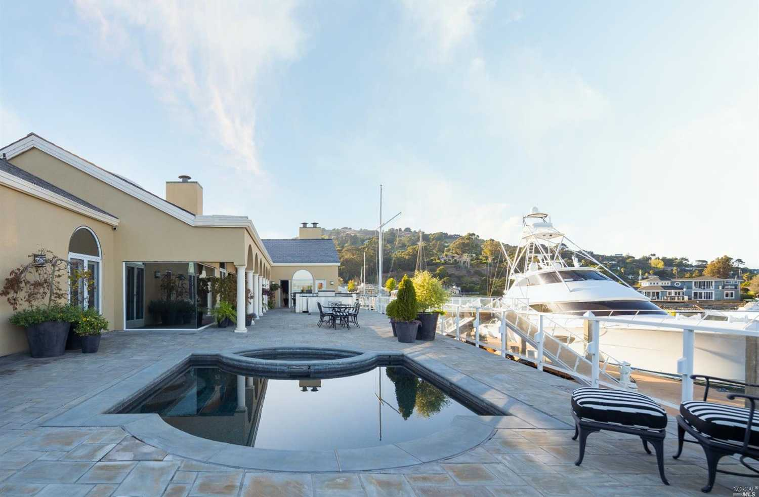 $5,800,000 - 4Br/5Ba -  for Sale in Tiburon