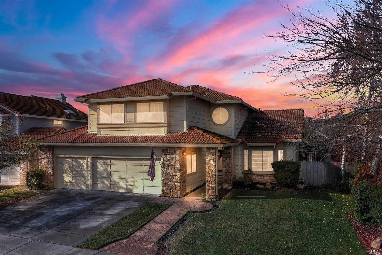 $690,000 - 5Br/3Ba -  for Sale in Fairfield