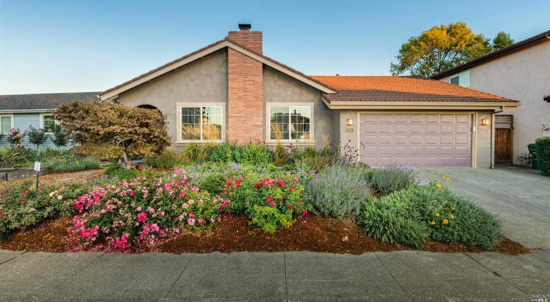 $730,000 - 4Br/2Ba -  for Sale in Petaluma