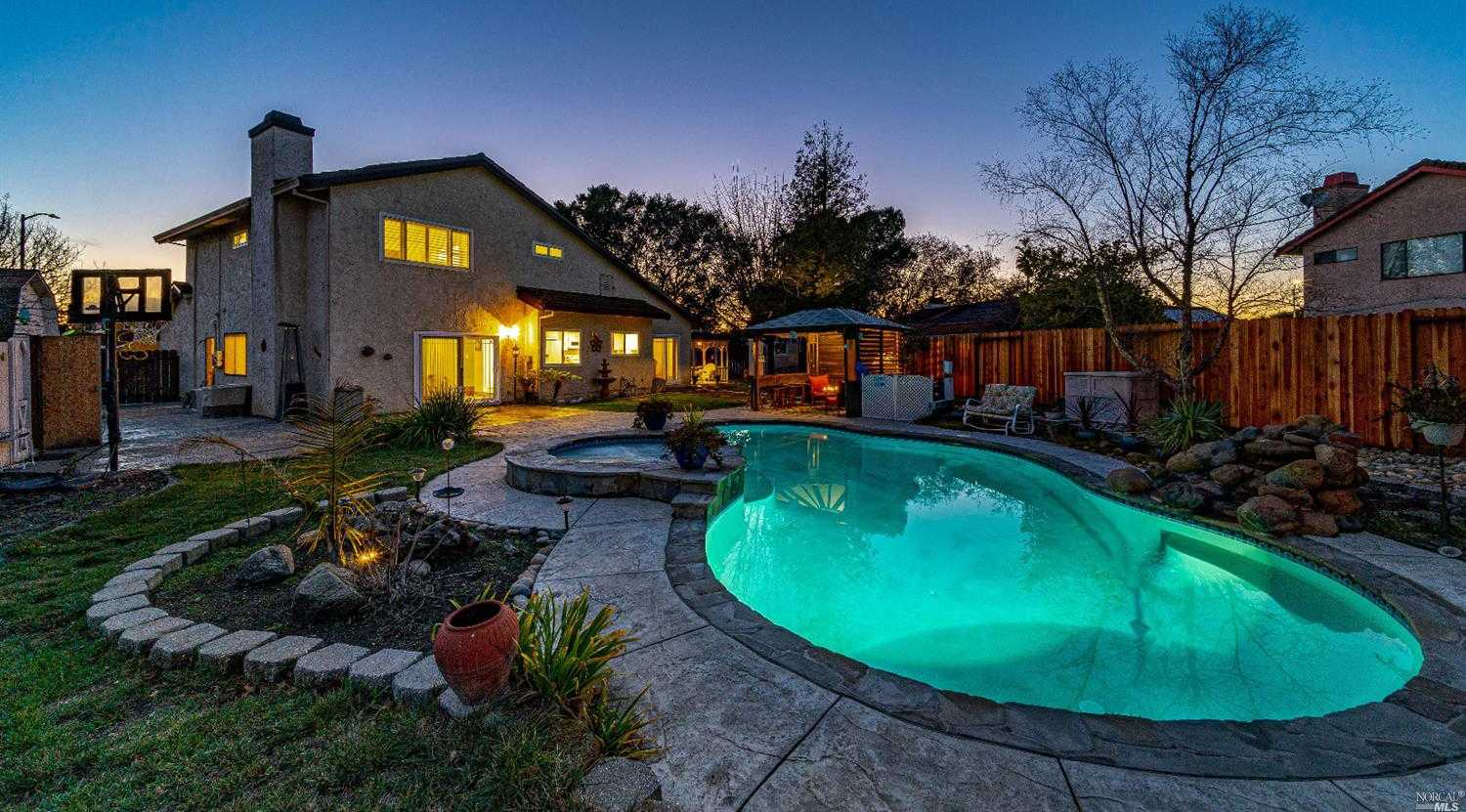 $728,500 - 4Br/3Ba -  for Sale in American Canyon