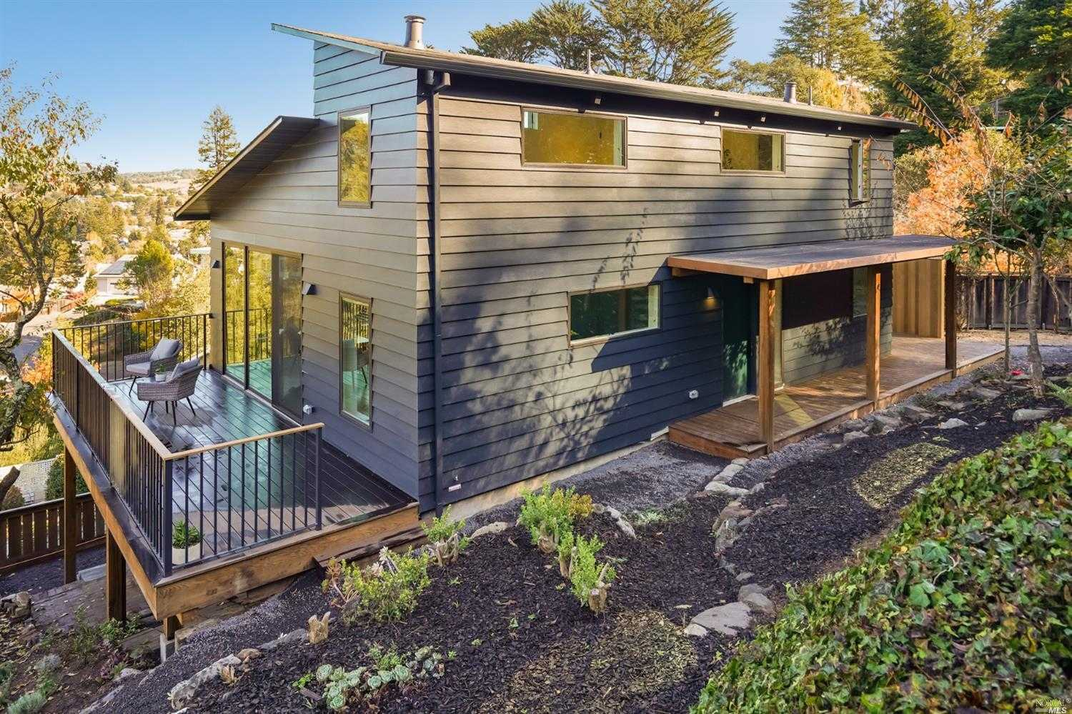 $2,650,000 - 3Br/4Ba -  for Sale in Mill Valley