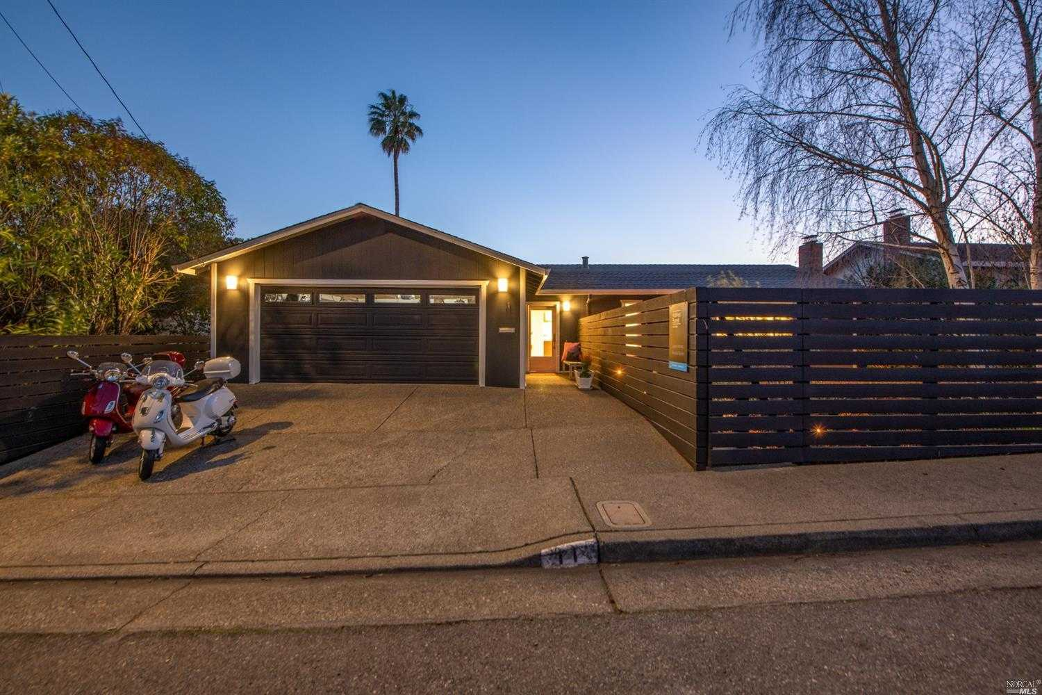 $1,595,000 - 5Br/3Ba -  for Sale in San Rafael