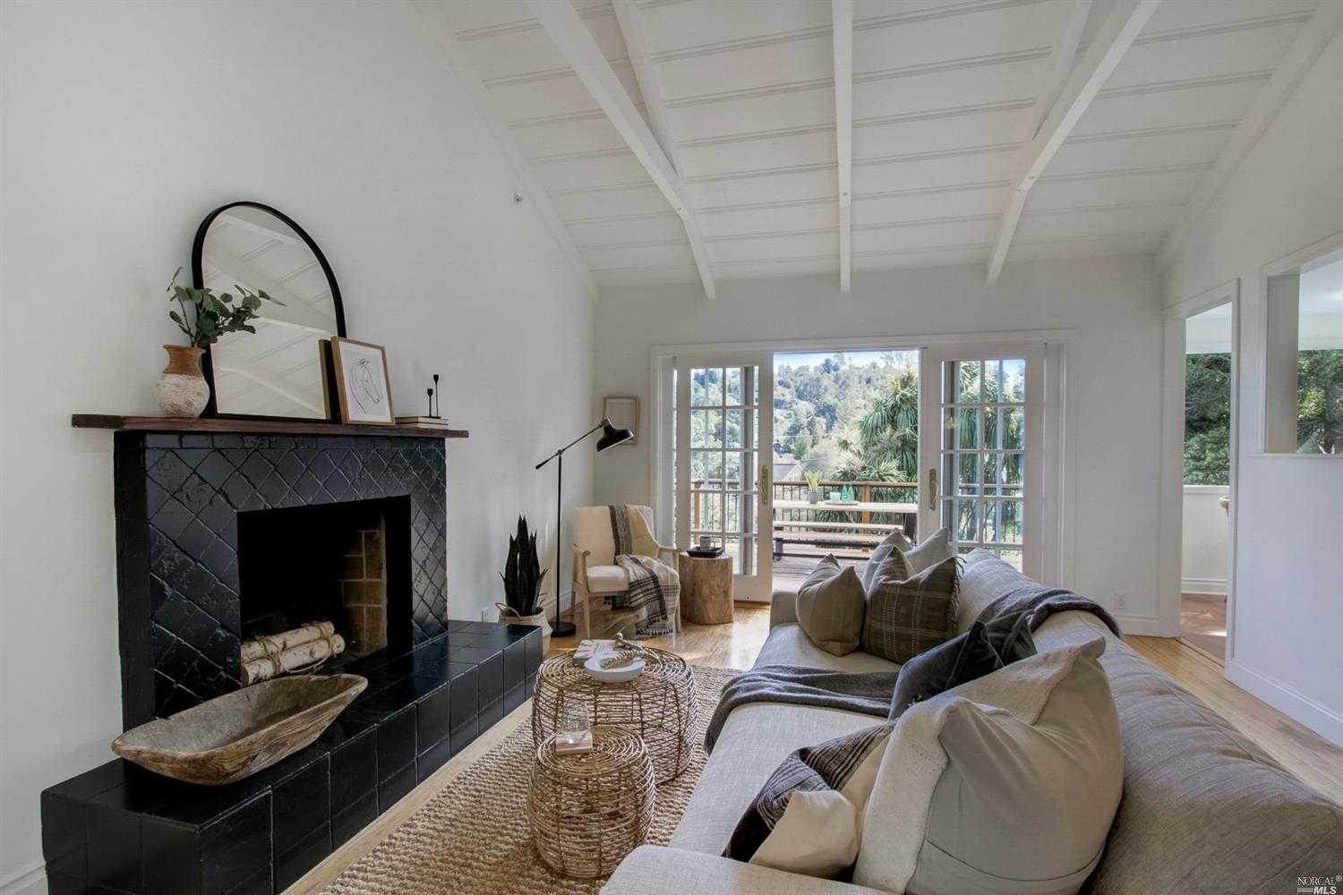 $1,715,000 - 4Br/3Ba -  for Sale in Corte Madera