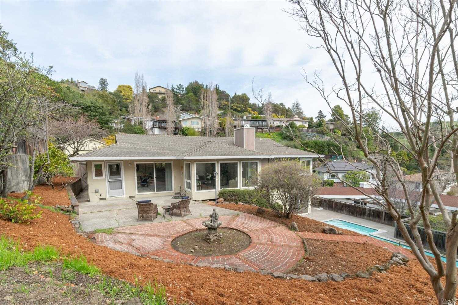 $1,550,000 - 4Br/3Ba -  for Sale in Greenbrae