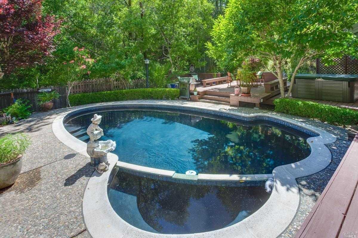 $1,395,000 - 3Br/3Ba -  for Sale in San Anselmo