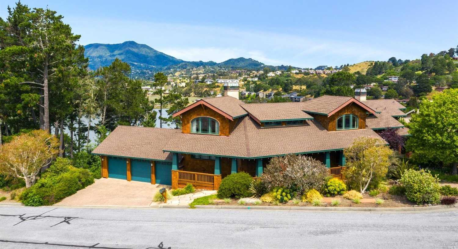 $3,550,000 - 4Br/4Ba -  for Sale in Mill Valley
