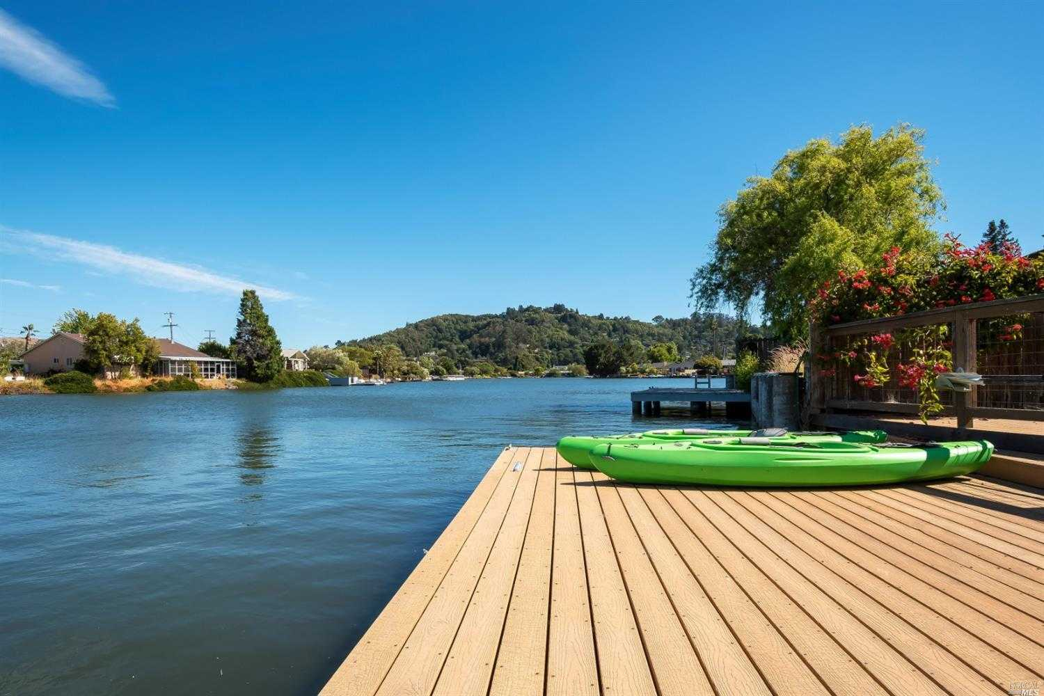 $2,400,000 - 3Br/2Ba -  for Sale in Corte Madera