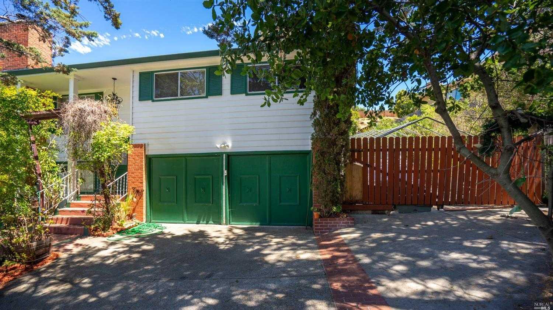 $1,690,000 - 5Br/4Ba -  for Sale in Tera Linda, San Rafael