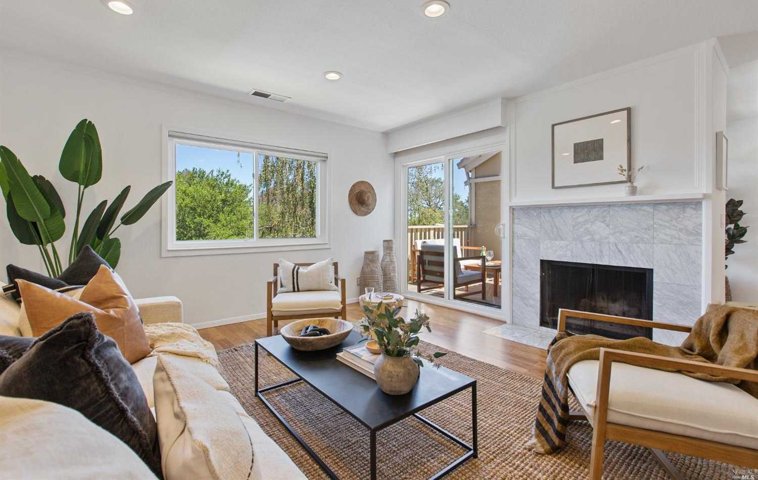 $950,000 - 3Br/3Ba -  for Sale in Mill Valley