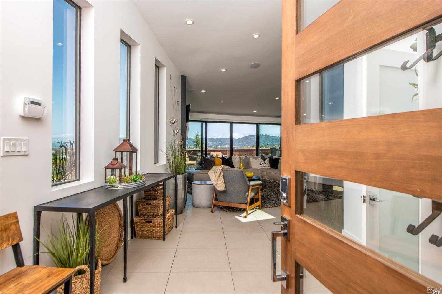 $3,750,000 - 5Br/4Ba -  for Sale in Greenbrae
