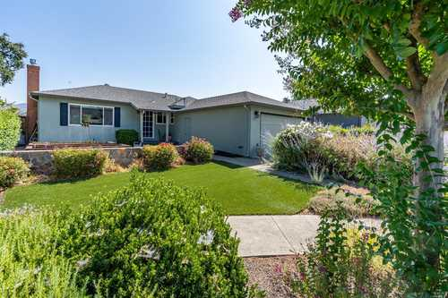 $1,350,000 - 3Br/2Ba -  for Sale in Yountville