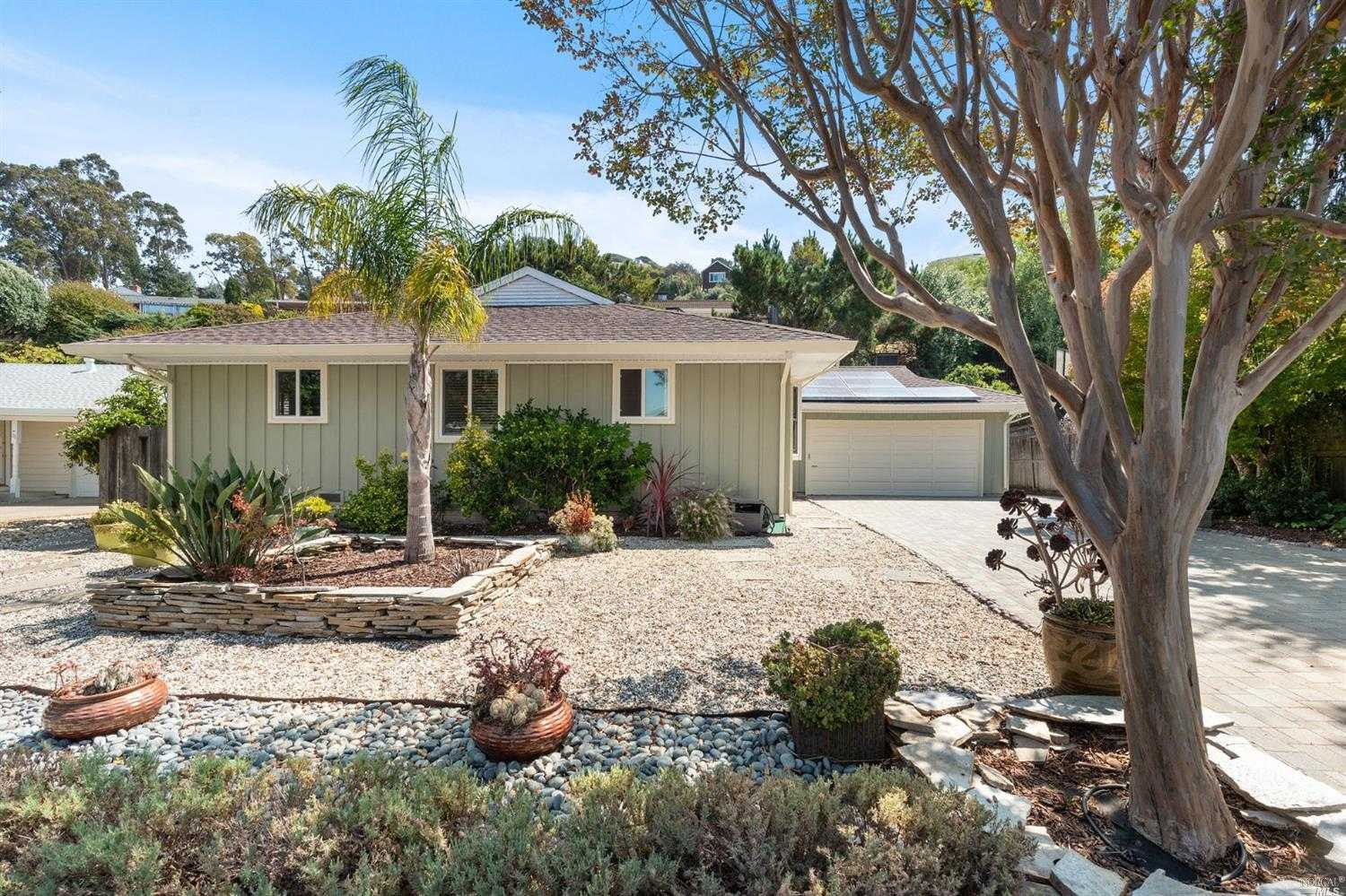 $1,875,000 - 4Br/2Ba -  for Sale in Corte Madera