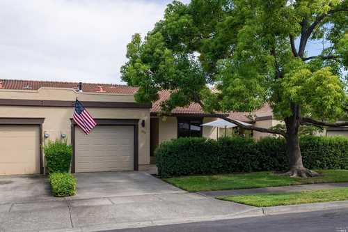 $785,000 - 2Br/2Ba -  for Sale in Yountville