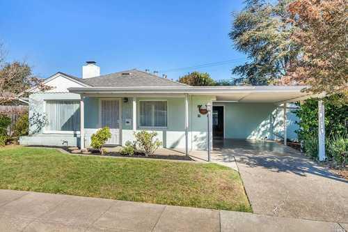 $575,000 - 3Br/2Ba -  for Sale in Glenwood Gardens, Napa