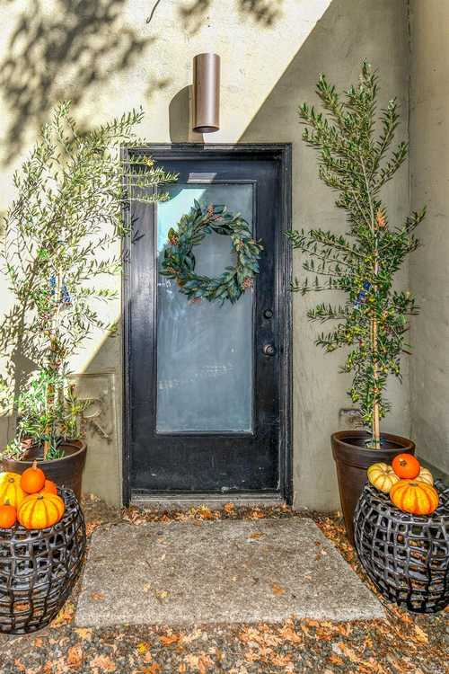 $829,000 - 1Br/1Ba -  for Sale in Calistoga