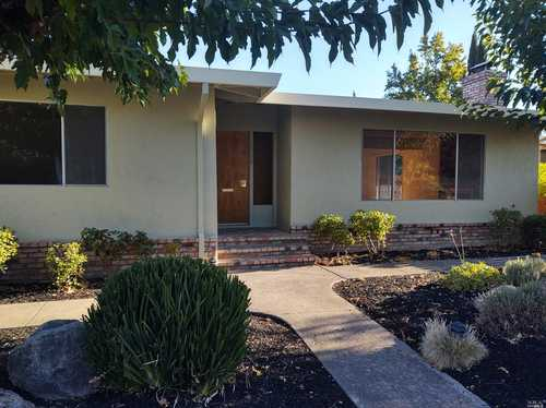 $719,000 - 2Br/2Ba -  for Sale in Calistoga