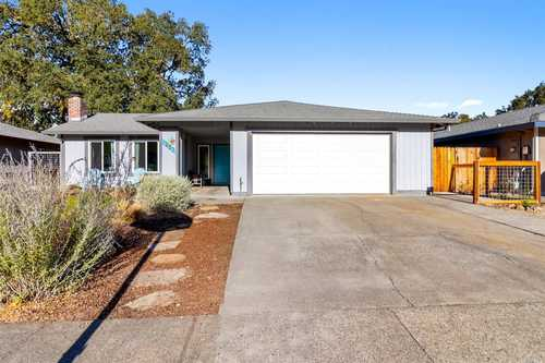 $795,000 - 3Br/2Ba -  for Sale in Calistoga