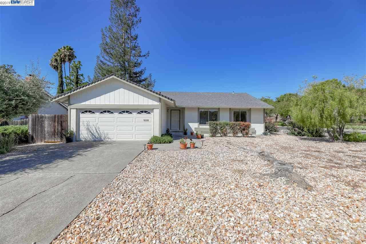 $779,900 - 4Br/2Ba -  for Sale in Rancho Ramon, San Ramon