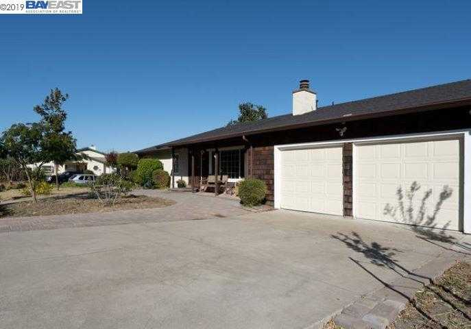 $949,000 - 4Br/3Ba -  for Sale in Montevideo, San Ramon