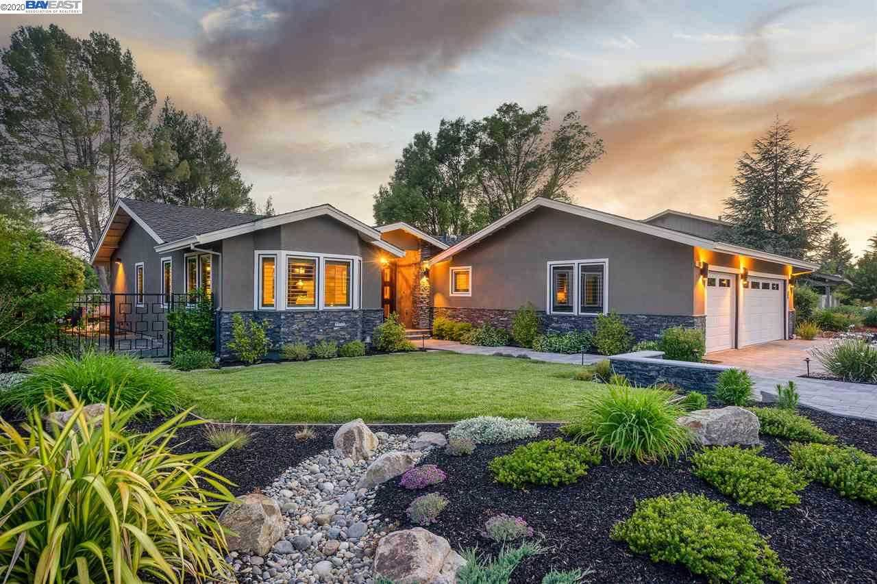 $1,795,000 - 3Br/2Ba -  for Sale in Crow Canyon C.C., Danville