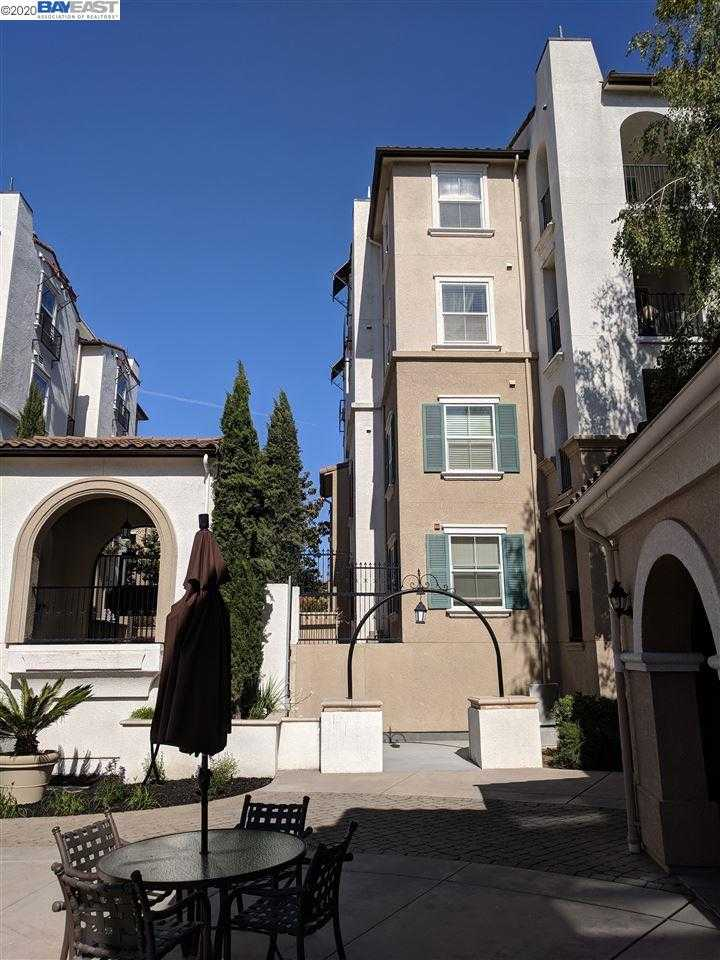 $675,000 - 3Br/2Ba -  for Sale in The Terraces, Dublin