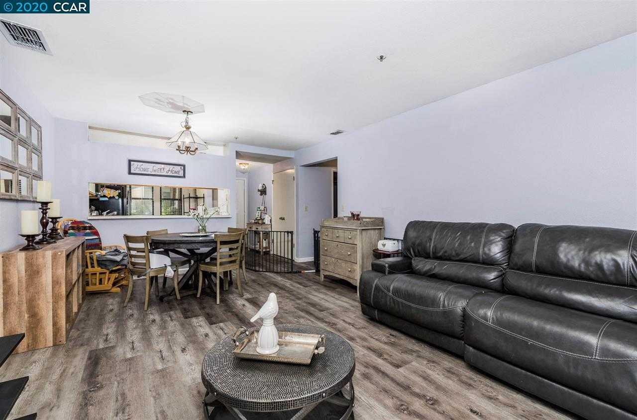 $524,900 - 2Br/2Ba -  for Sale in The Villas Ii, Walnut Creek