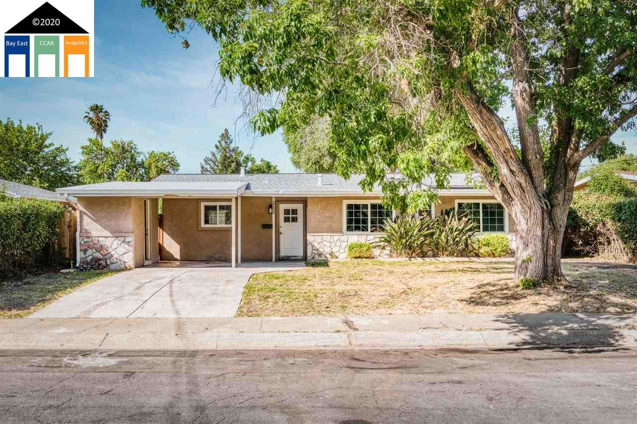 $575,000 - 3Br/2Ba -  for Sale in Holbrook Heights, Concord