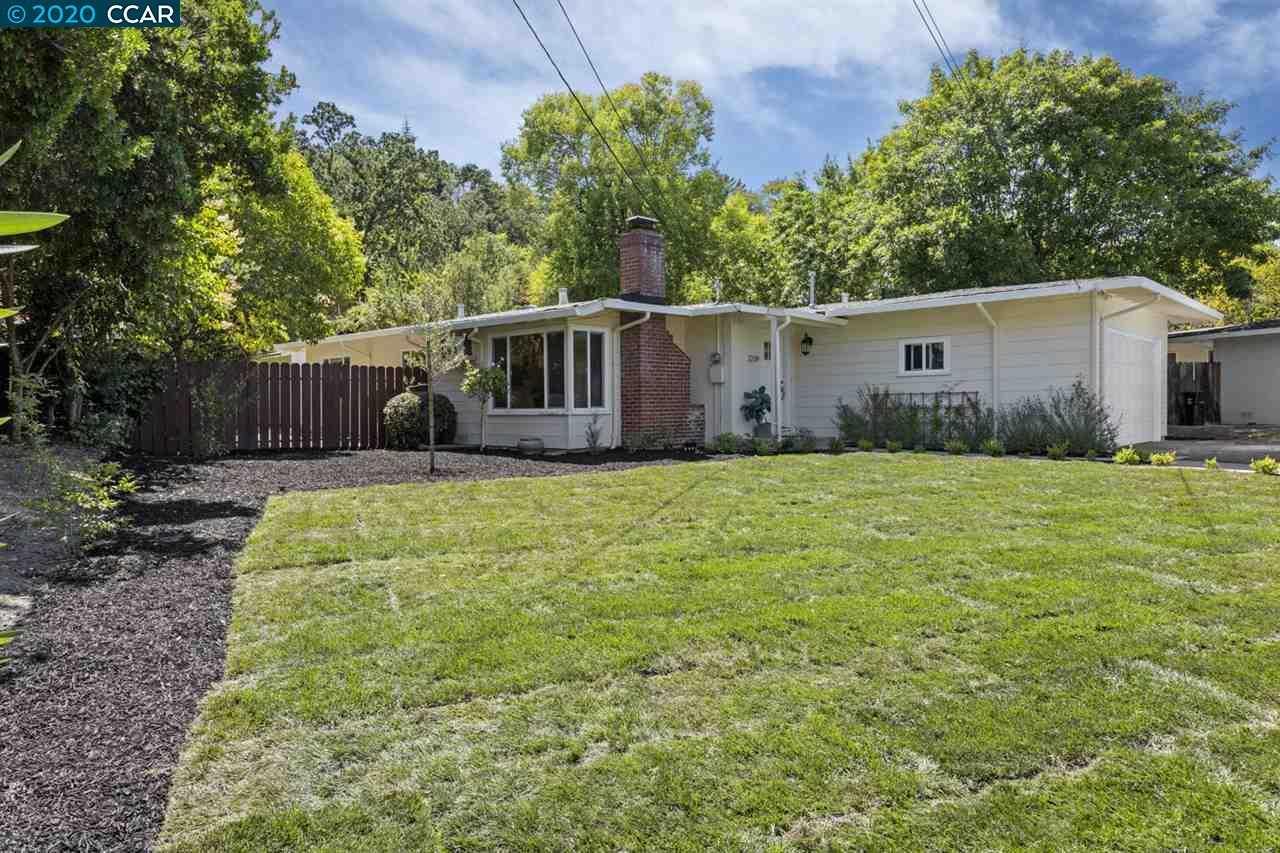 $1,195,000 - 3Br/1Ba -  for Sale in Trail, Lafayette