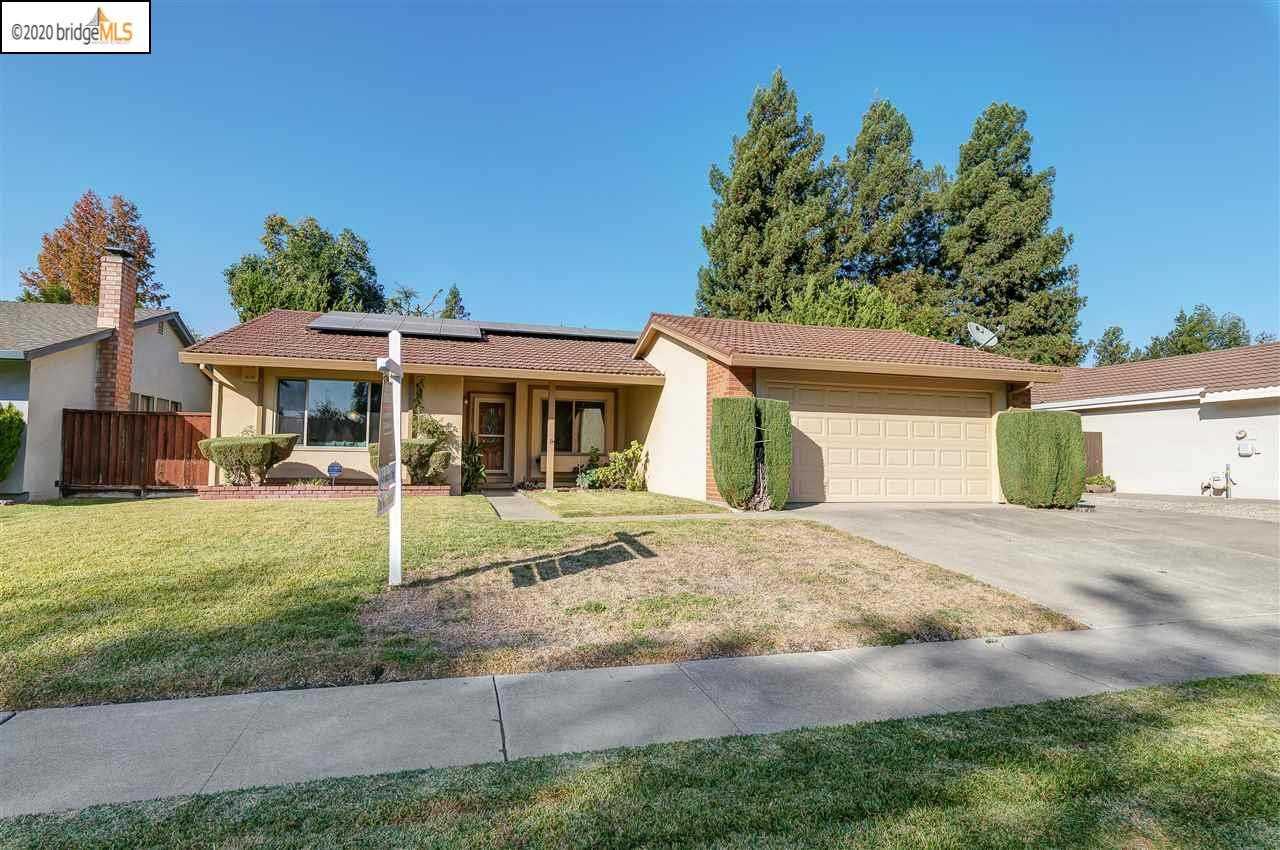 $1,200,000 - 3Br/2Ba -  for Sale in Arroyo Village, Pleasanton