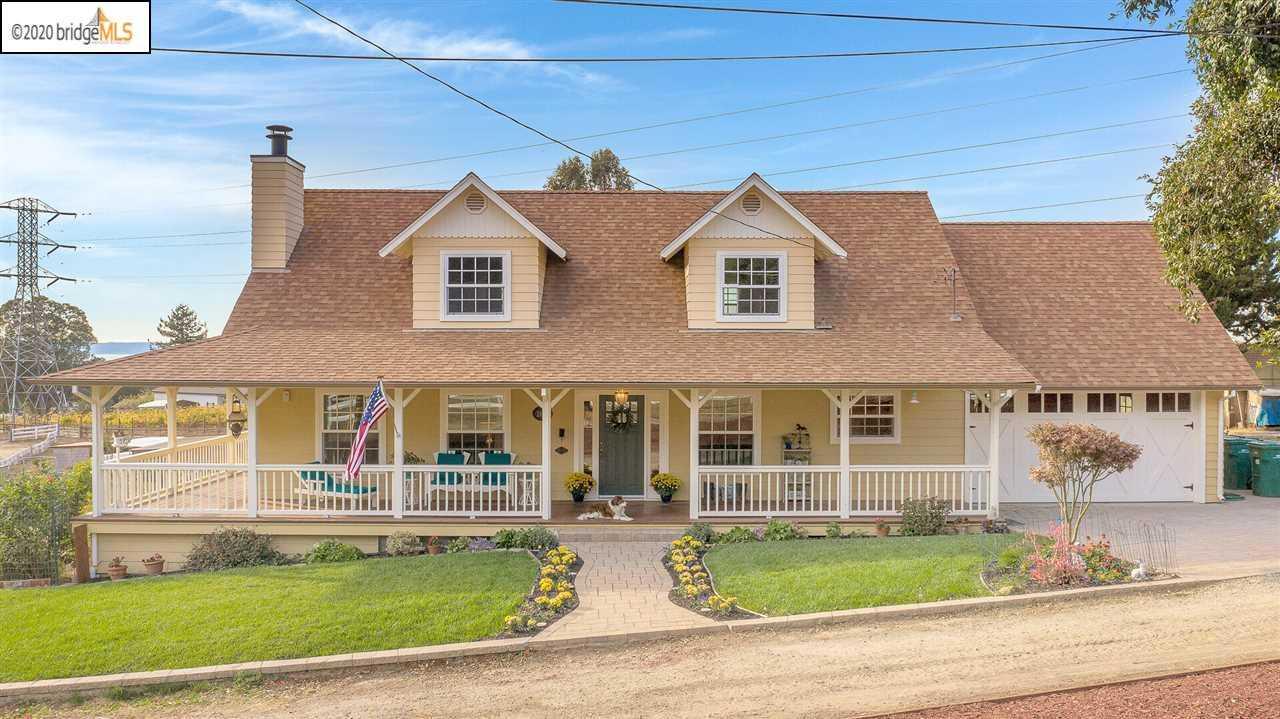 $1,800,000 - 2Br/1Ba -  for Sale in Fairview, Hayward