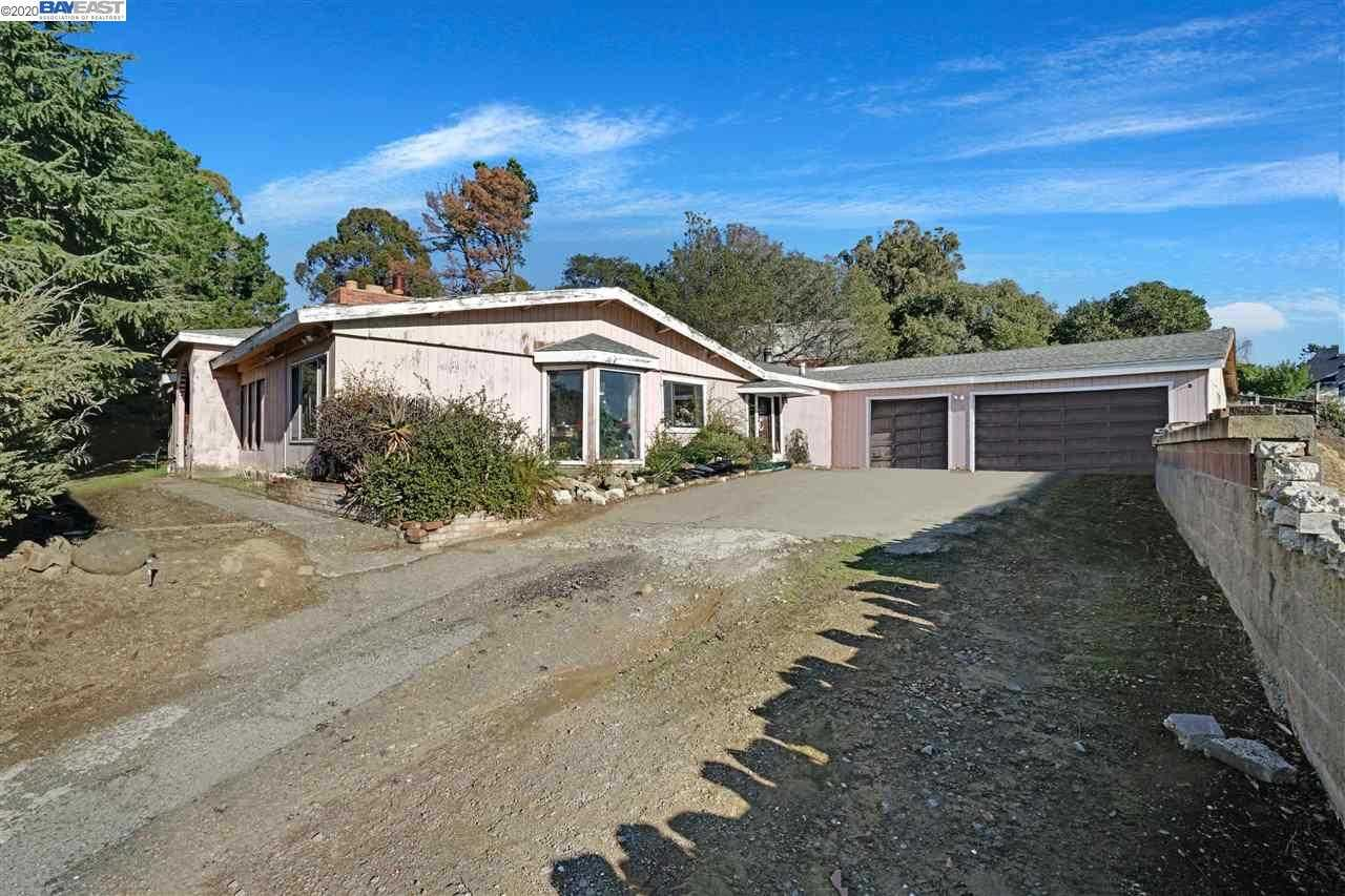 $1,600,000 - 4Br/4Ba -  for Sale in Fairview, Hayward