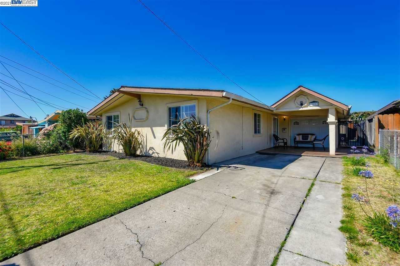 $739,900 - 4Br/2Ba -  for Sale in Harder, Hayward