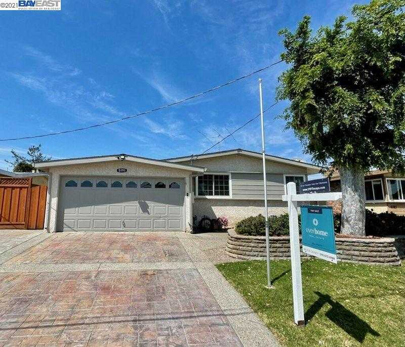 Photo of  5191 Tenaya Ave