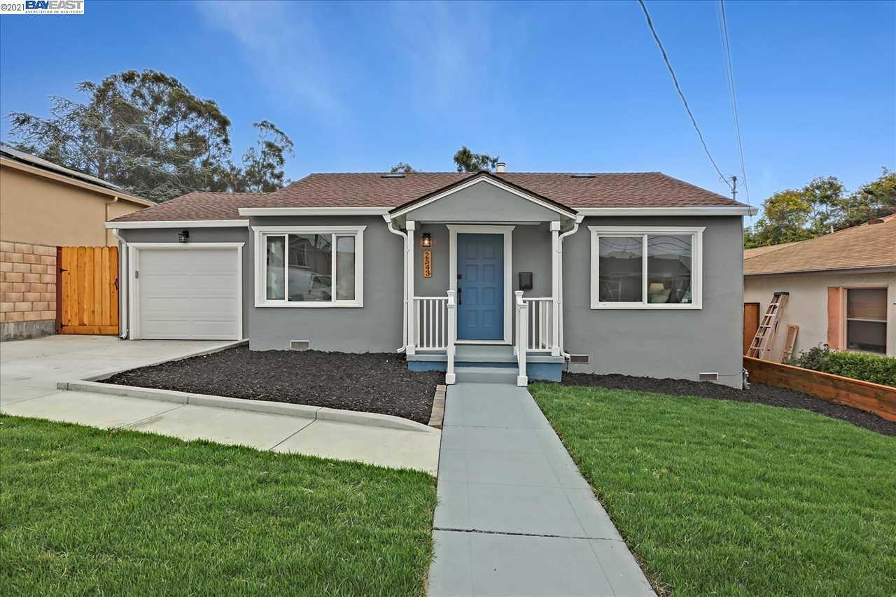 Photo of  2543 Hermosa Ter