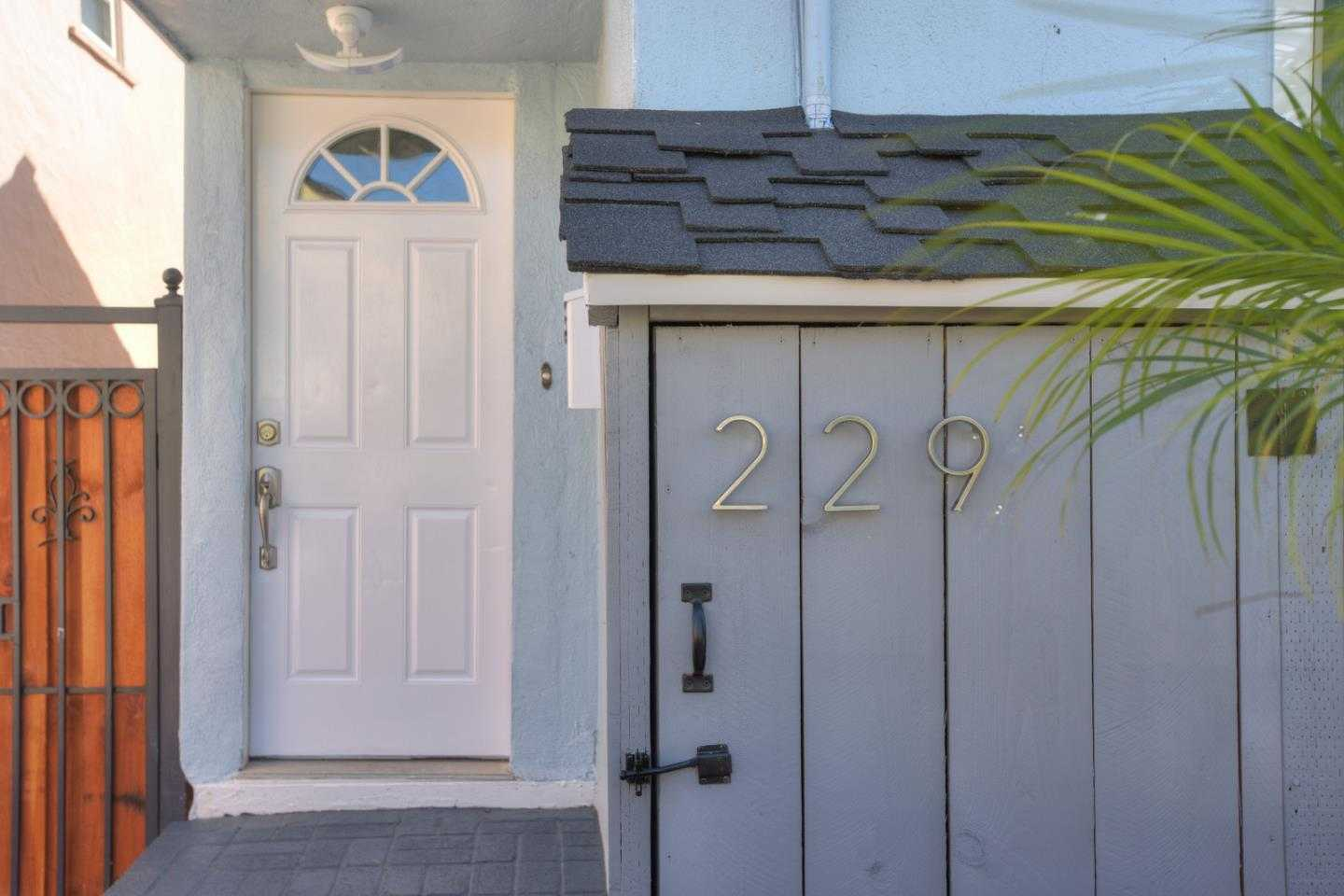 $749,888 - 3Br/2Ba -  for Sale in South San Francisco