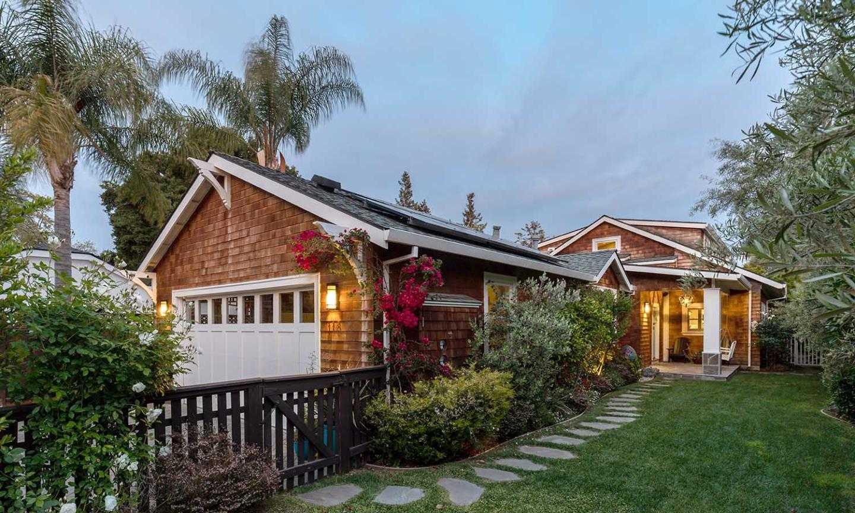 $4,988,000 - 5Br/5Ba -  for Sale in Palo Alto