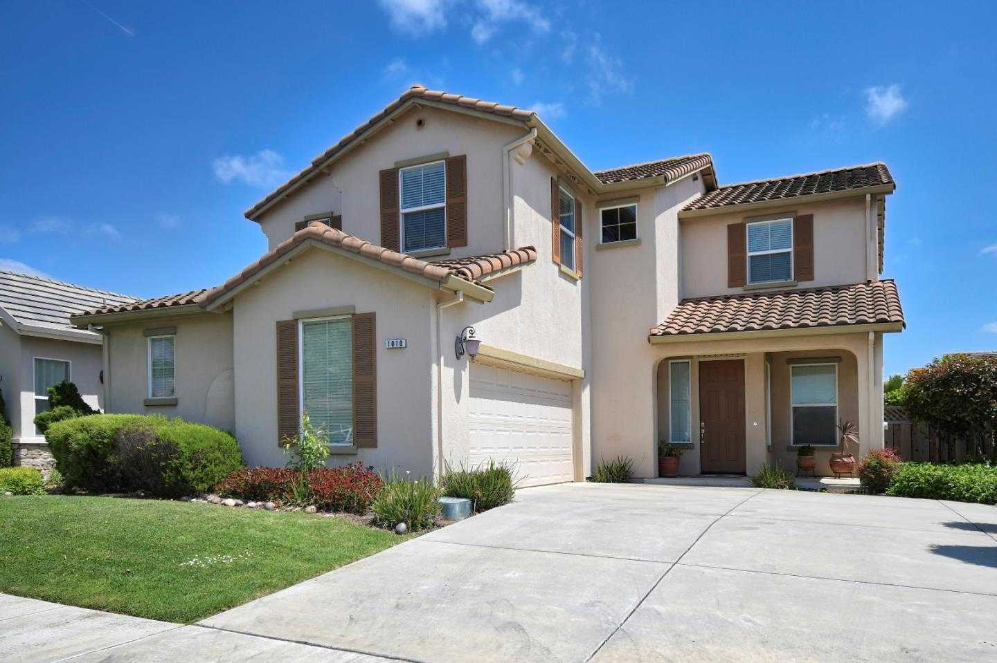 $595,000 - 4Br/3Ba -  for Sale in Salinas