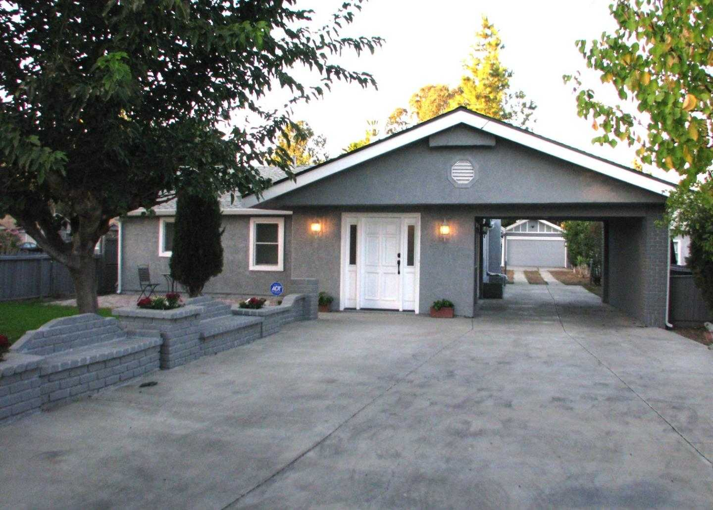 $585,000 - 3Br/2Ba -  for Sale in Brentwood