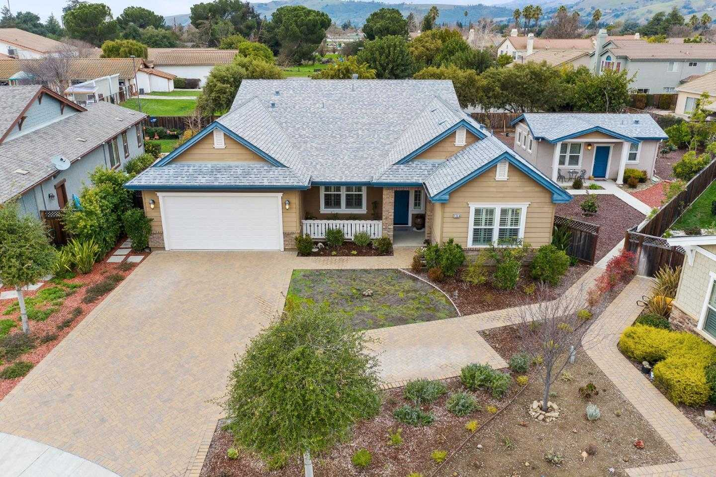 $1,550,000 - 4Br/3Ba -  for Sale in Morgan Hill