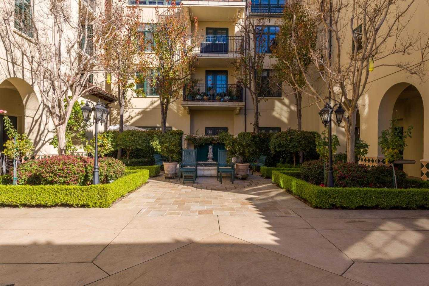$1,350,000 - 3Br/3Ba -  for Sale in Palo Alto