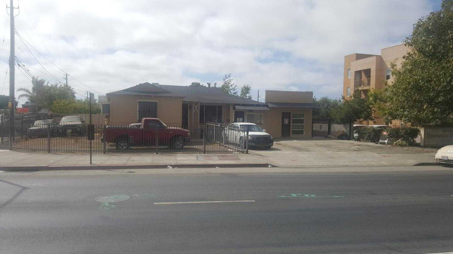 $630,000 - 2Br/2Ba -  for Sale in Oakland